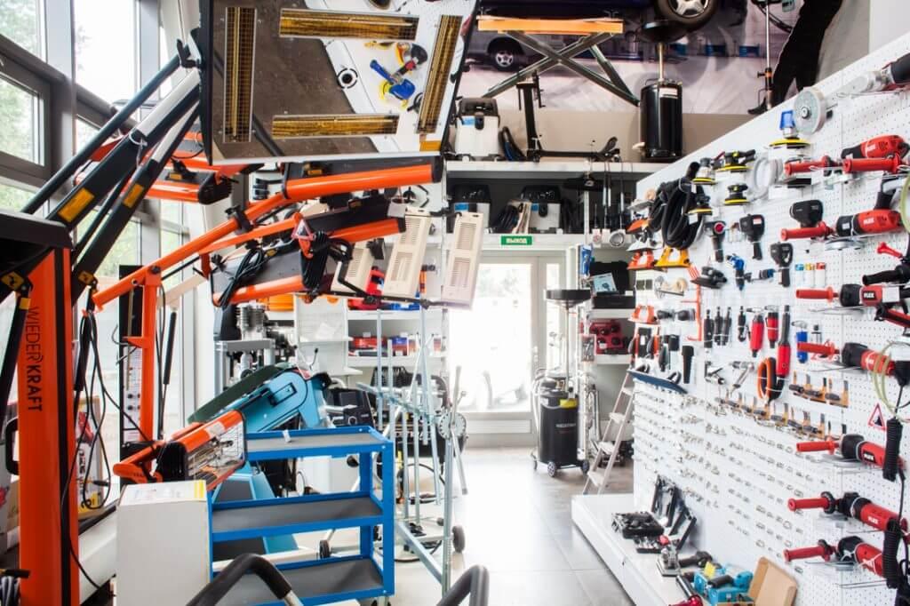 оборудование и инструменты в магазине АВТОрефинишер